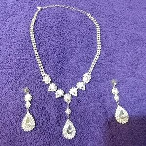 Iridescent necklace and pierced earring set